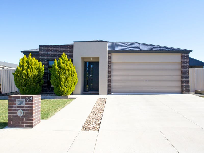 39 River Road, Horsham, Vic 3400