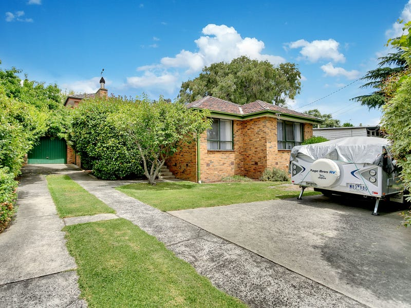 90 Hillcrest Road, Frankston, Vic 3199