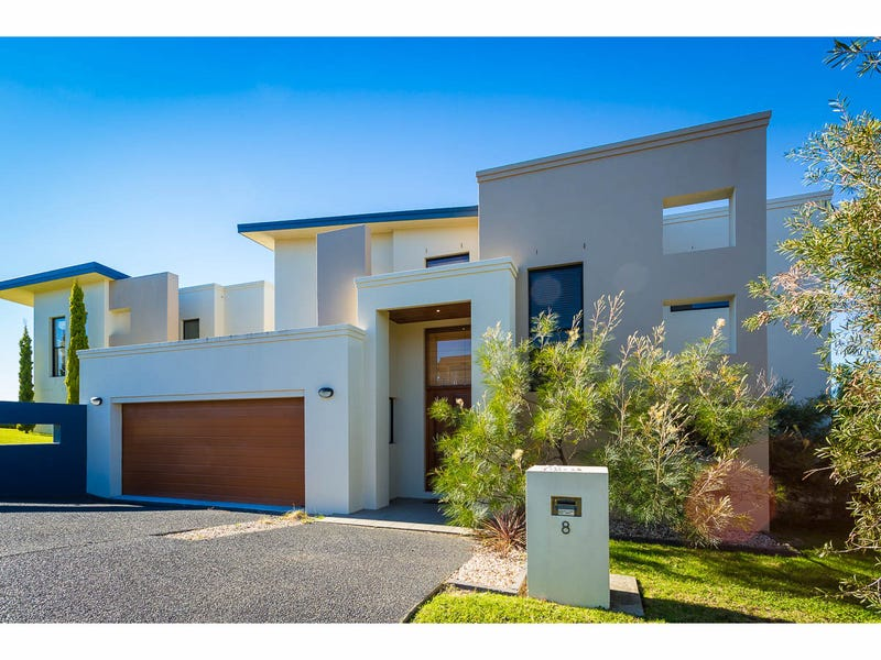 2/8 John Close, Merimbula, NSW 2548
