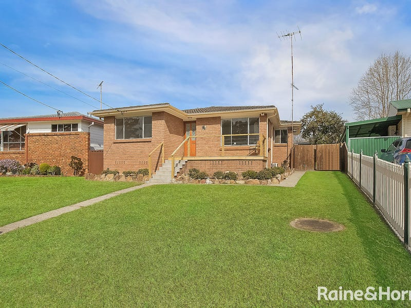 4 Minchin Ave, Hobartville, NSW 2753