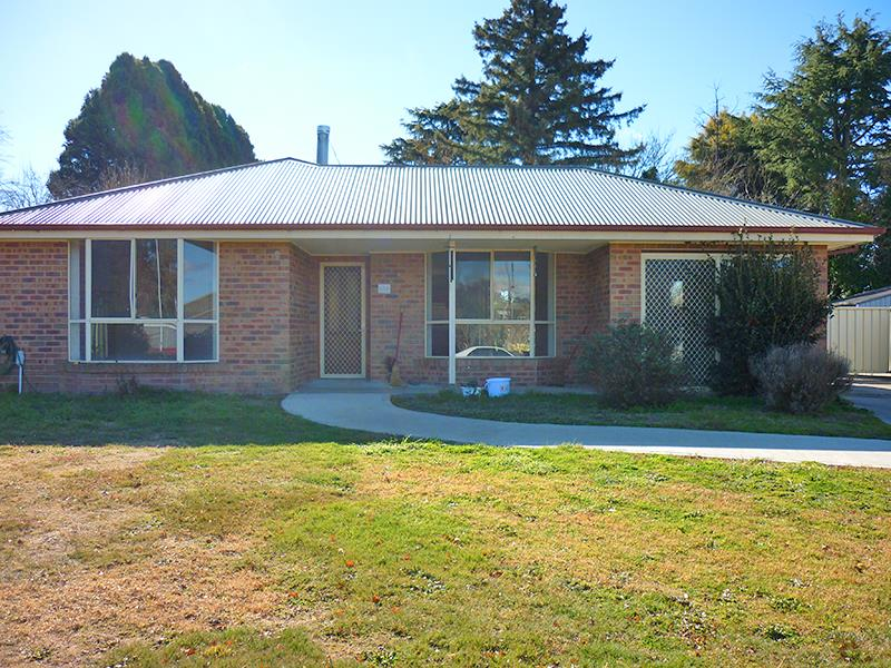 18a Somers Pl, Blayney, NSW 2799