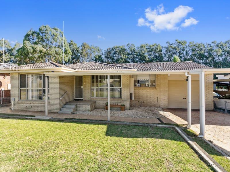 18 St James Cres, Dapto, NSW 2530