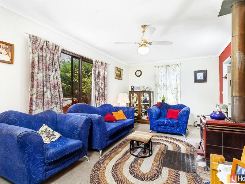 79 Foxlow Street, Captains Flat, NSW 2623