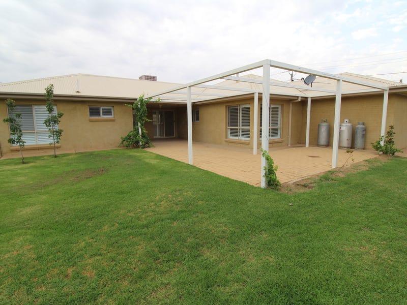 15 Barwidgee Boulevard, Darlington Point, NSW 2706
