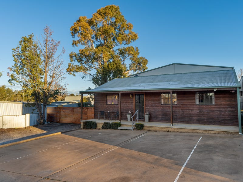 4 Bundella Close, Molong, NSW 2866