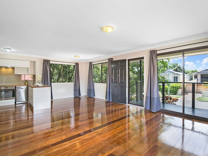 14 Blackwood Road, Manly West, Qld 4179