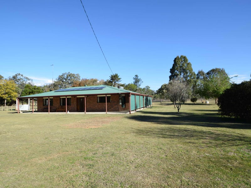 64 South Street, Esk, Qld 4312