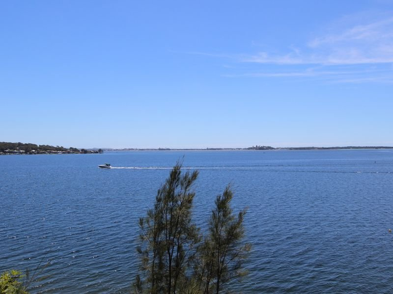 227 Fishing Point Road, Fishing Point, NSW 2283