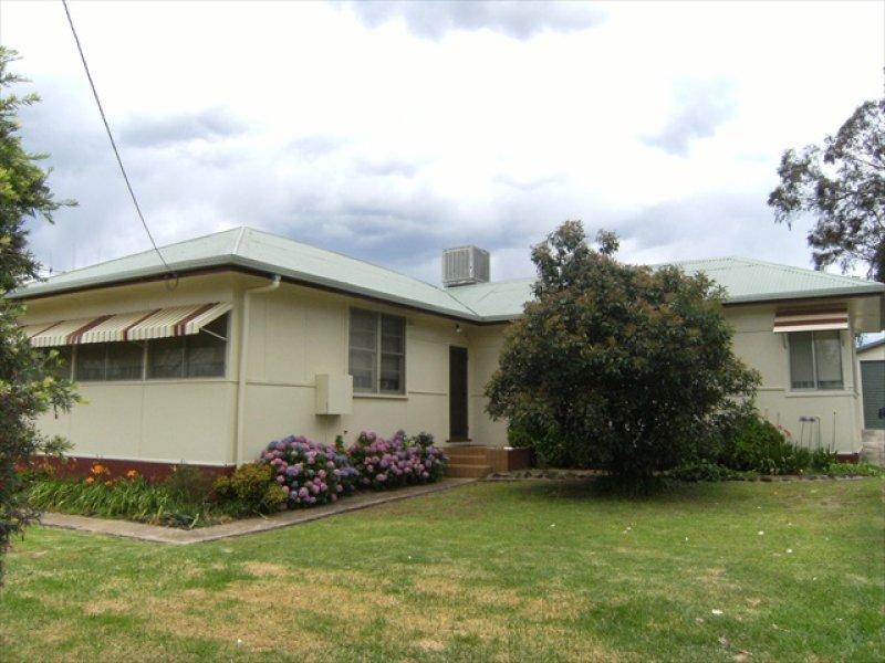 8 Frater St, Binnaway, NSW 2395