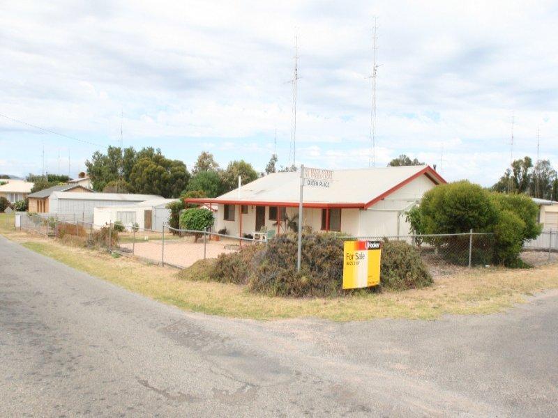 15 Trelawney Street, Moonta Bay, SA 5558