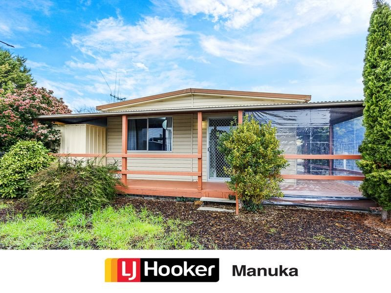 6 Conifer Avenue, Symonston, ACT 2609