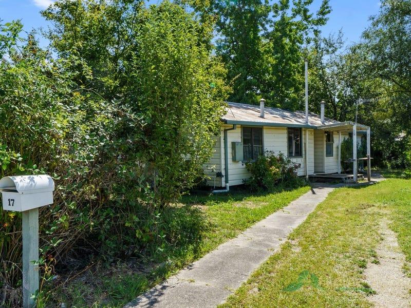 17 Freeburgh Avenue, Mount Beauty, Vic 3699