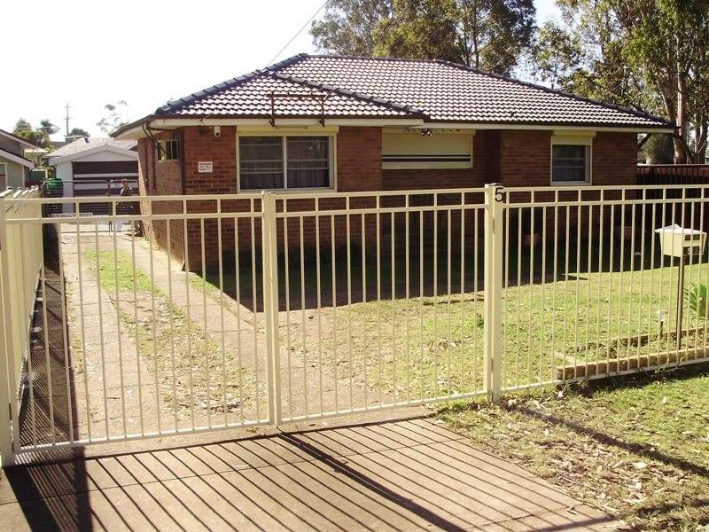 5 Hillview Pde, Lurnea, NSW 2170