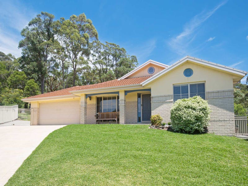 8 Hume Close, Macquarie Hills, NSW 2285
