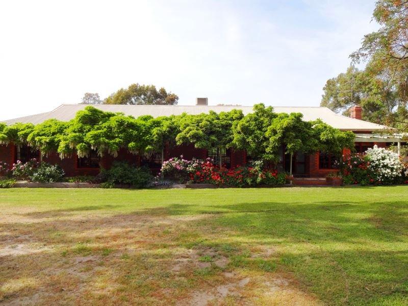 606 Warby Range Road, Wangaratta South, Vic 3678
