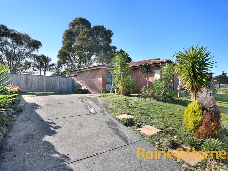 42 Rowellyn Avenue, Carrum Downs, Vic 3201