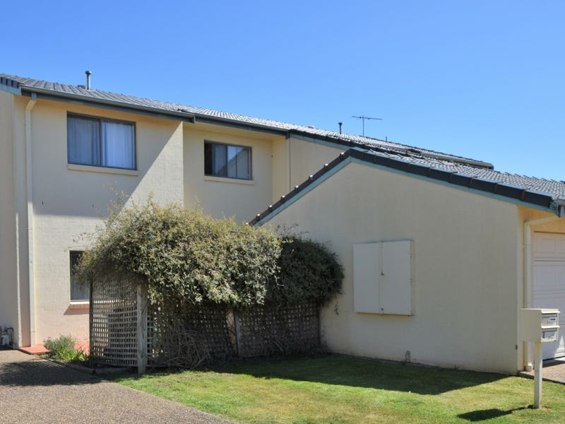 Unit 5 - 4 Old Barracks Lane, Young, NSW 2594