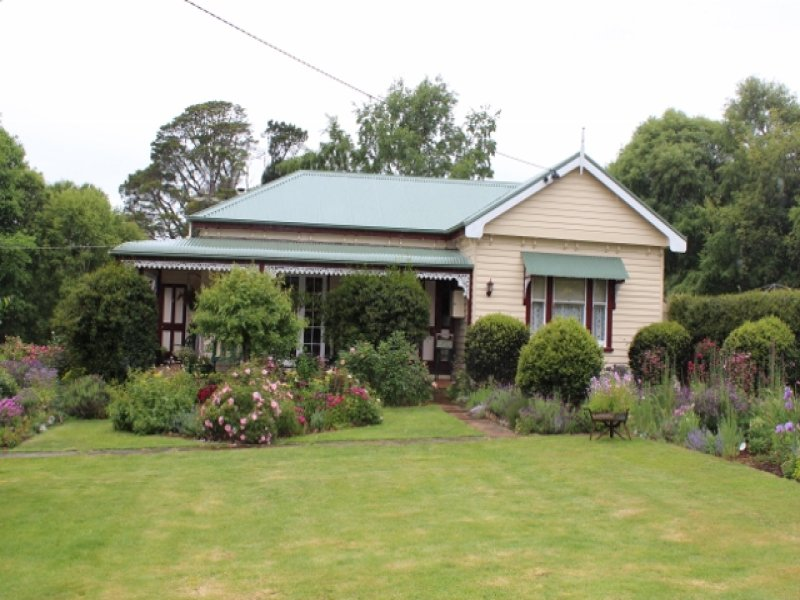 175 Cradle Mountain Road, Wilmot, Tas 7310