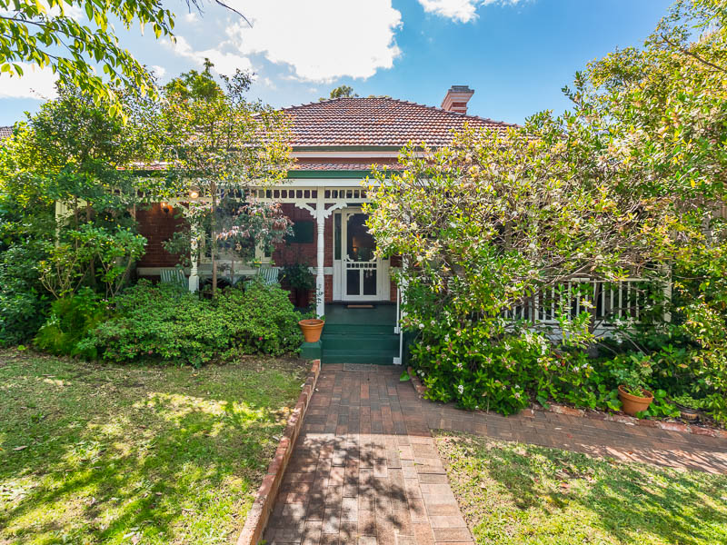 32 Fortescue Street, East Fremantle, WA 6158