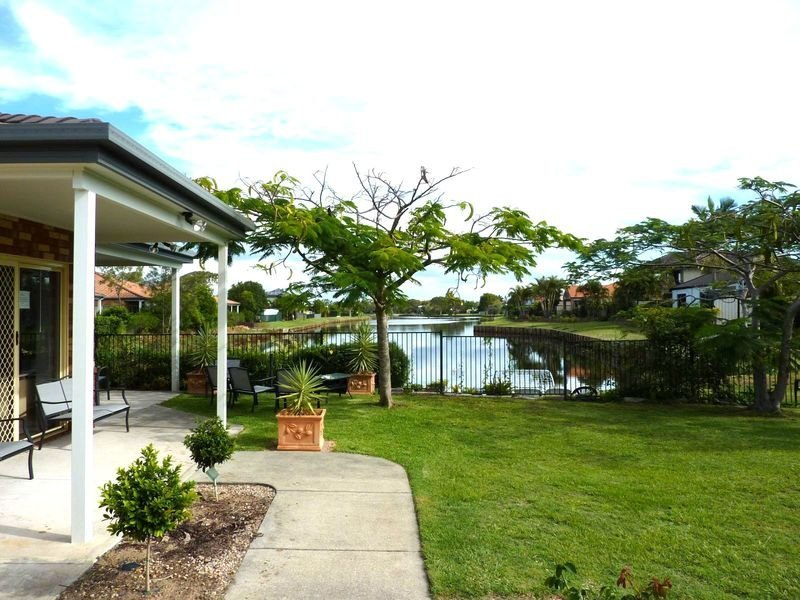 50/56 Biggs Ave, Beachmere, Qld 4510