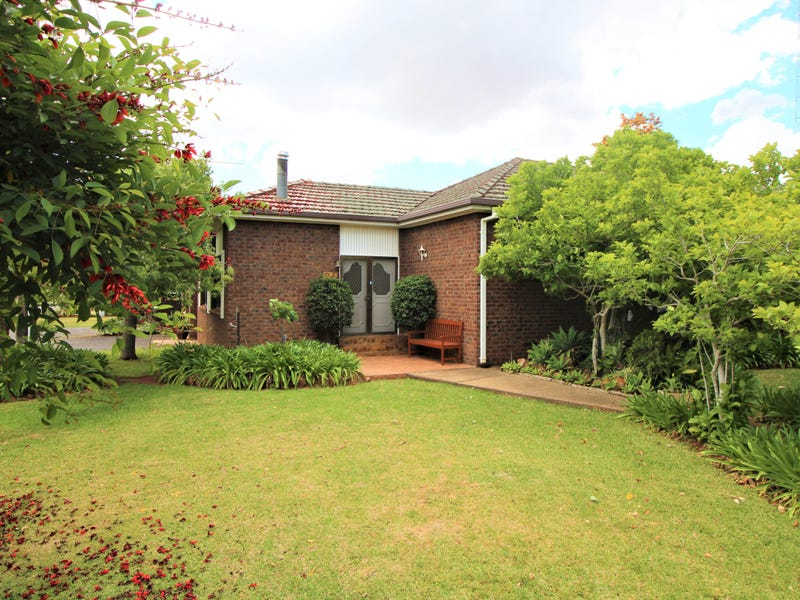 24 Animoo Avenue, Griffith, NSW 2680