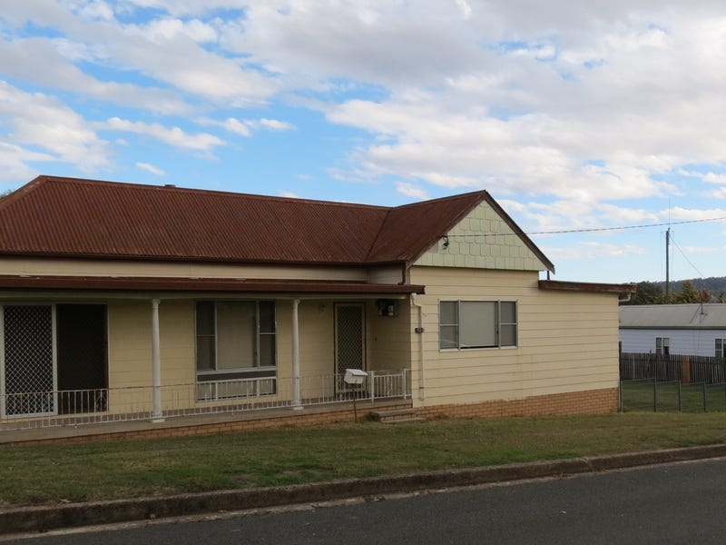 15 Coronation Avenue, Werris Creek, NSW 2341