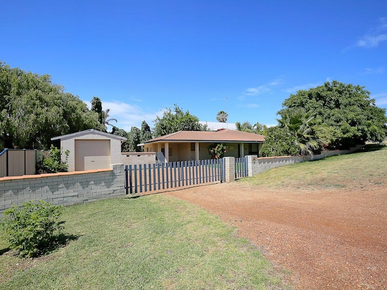 2 Murray Crescent, Halls Head, WA 6210