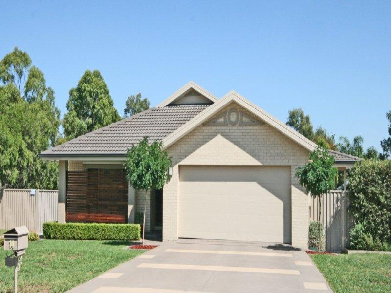 14 Coorigil Street, Hillvue, NSW 2340