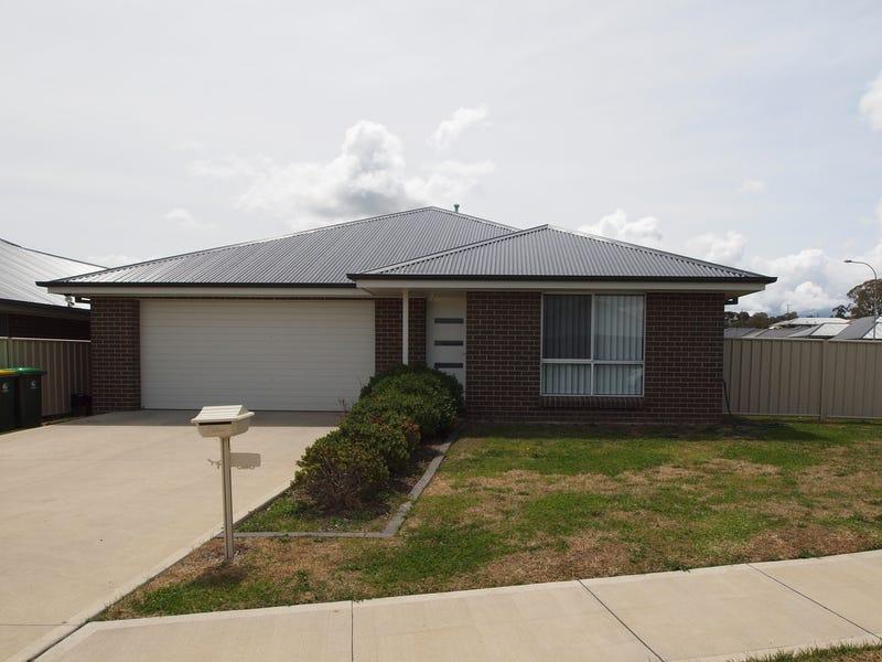 6 Clem Mcfawn Place, Orange, NSW 2800