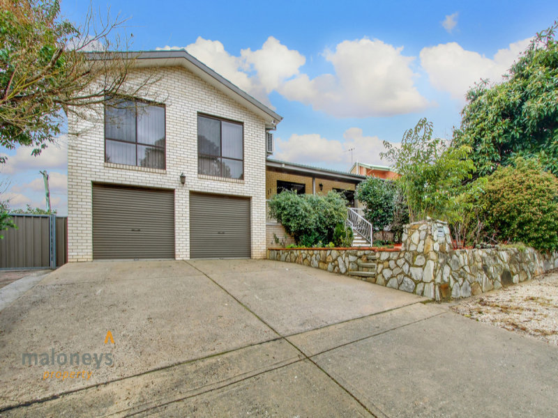 11 Schonell Circuit, Oxley, ACT 2903