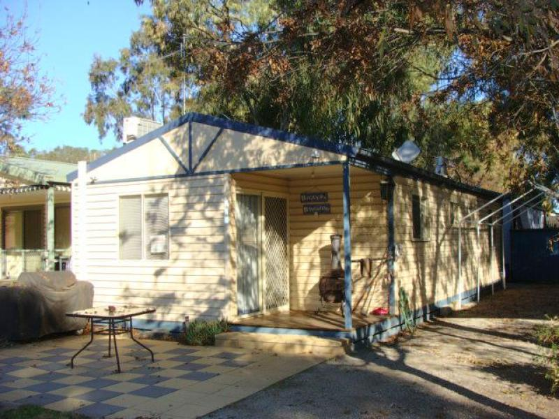 Cabin 220 Old Barmah Road, Moama, NSW 2731