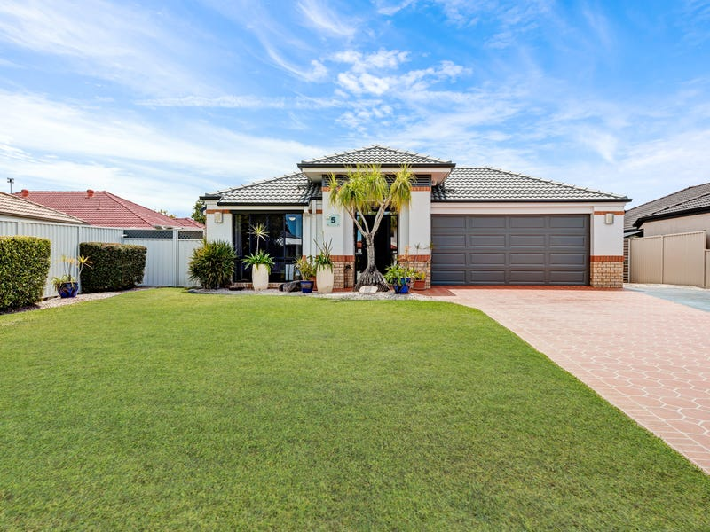 5 Courtenay Place, Sippy Downs, Qld 4556