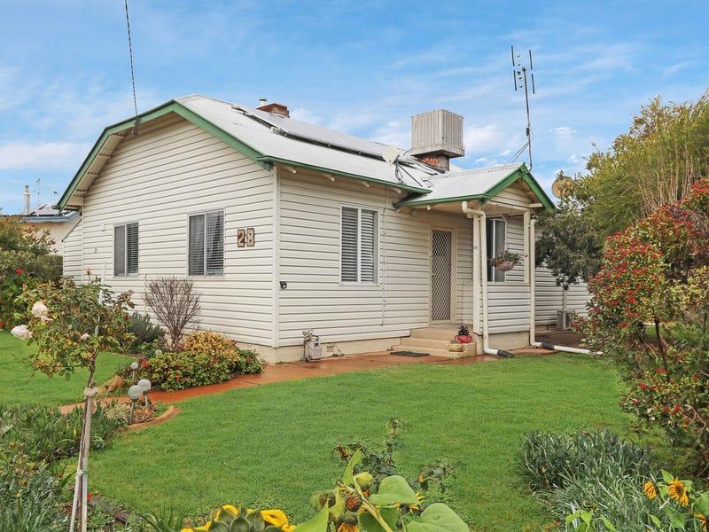 28 Cootamundra Road, Temora, NSW 2666