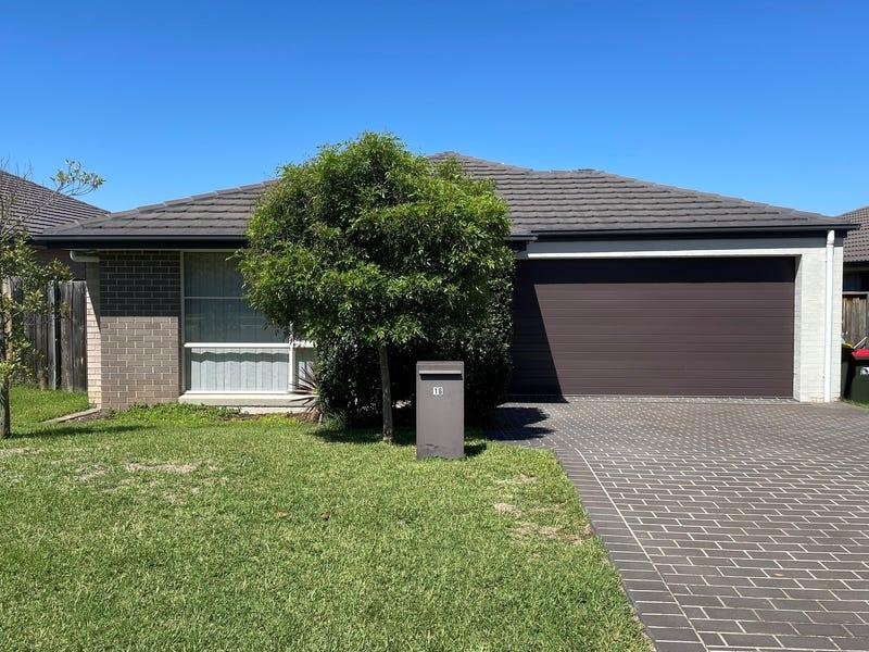 16 Hinton Street, Spring Farm, NSW 2570