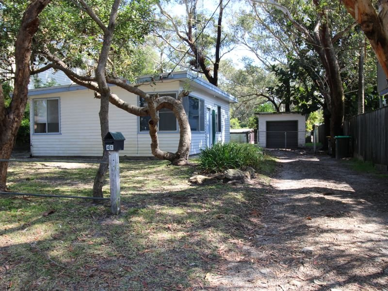 41 Dolphin Avenue, Hawks Nest, NSW 2324