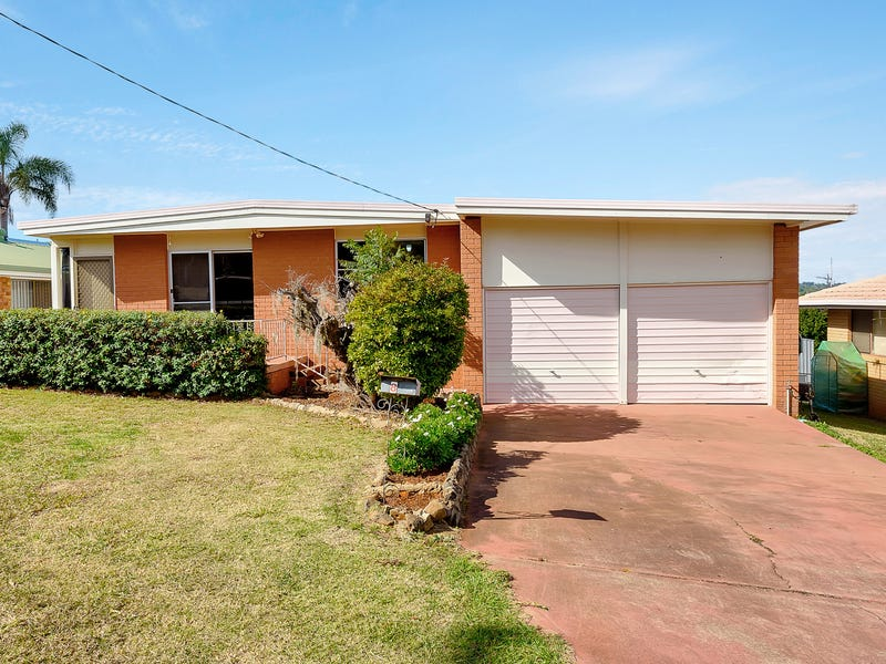 8 Greenbury Street, Rockville, Qld 4350