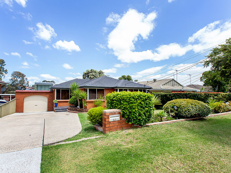 67 Caroline Crescent, Georges Hall, NSW 2198