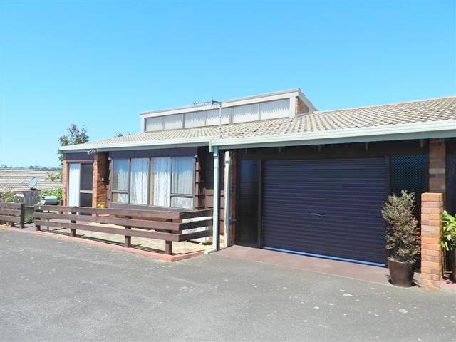 8/4 Federal Street, Upper Burnie, Tas 7320