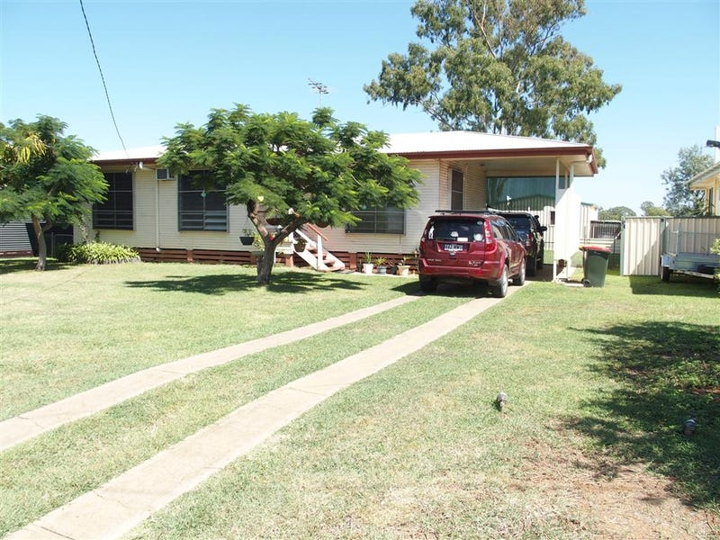 30 Littlefield Street, Blackwater, Qld 4717