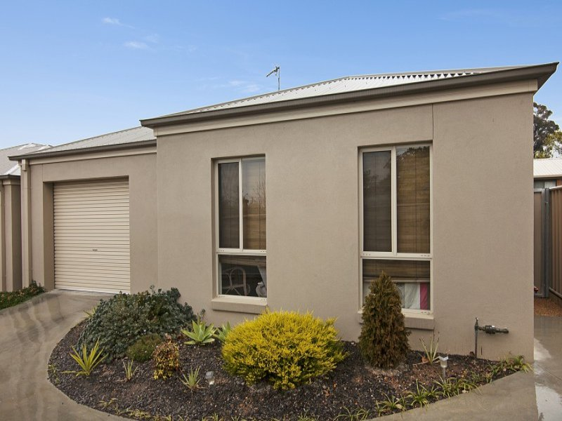 4/15 Nelson Street, California Gully, Vic 3556