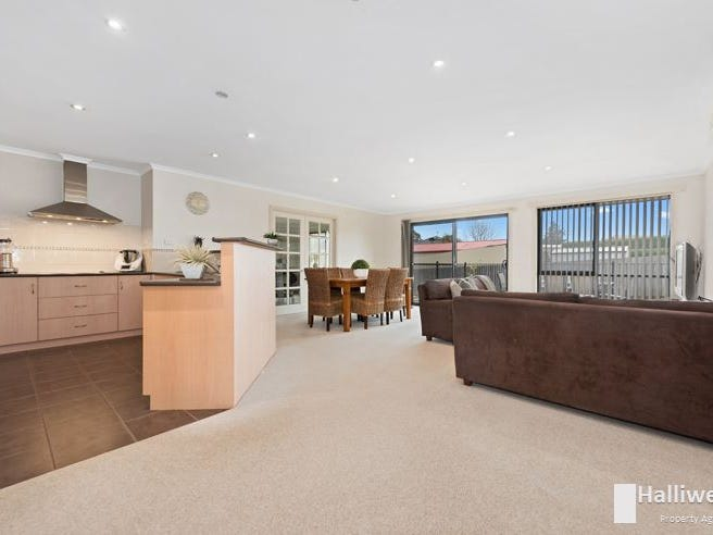 38 Lawrence Drive, Devonport