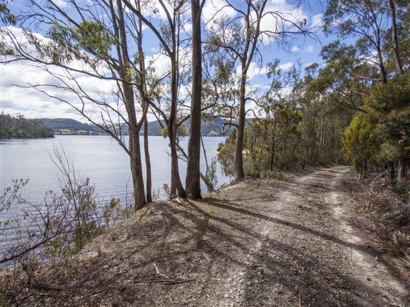 35 Esperance Coast Road, Surges Bay, Tas 7116