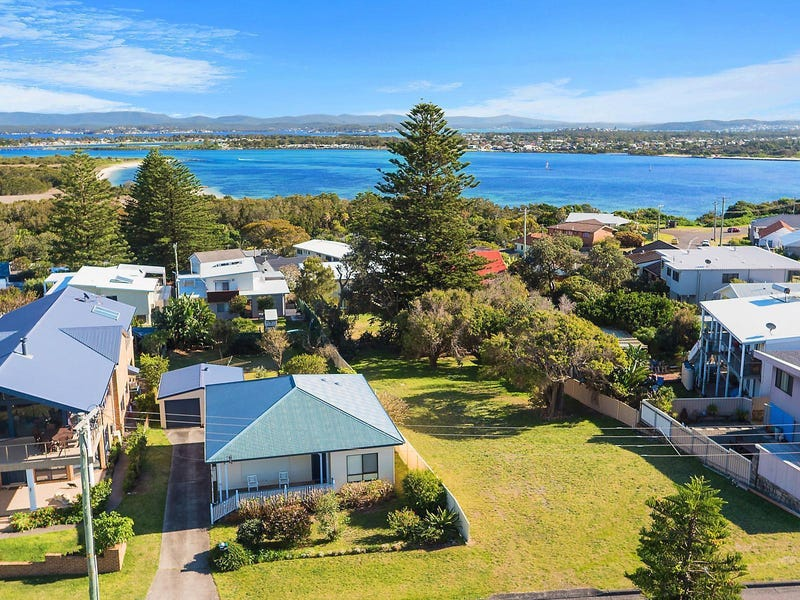 17 Pacific Drive, Swansea Heads, NSW 2281