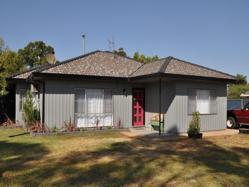 56 Oberon Street, Eugowra, NSW 2806