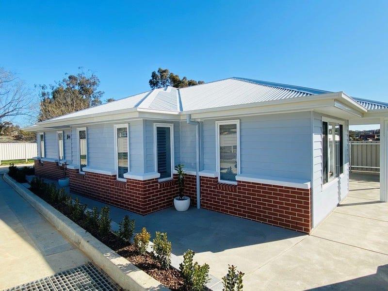 TOWNHOUSE 8 Waratah Dr, Junee, NSW 2663