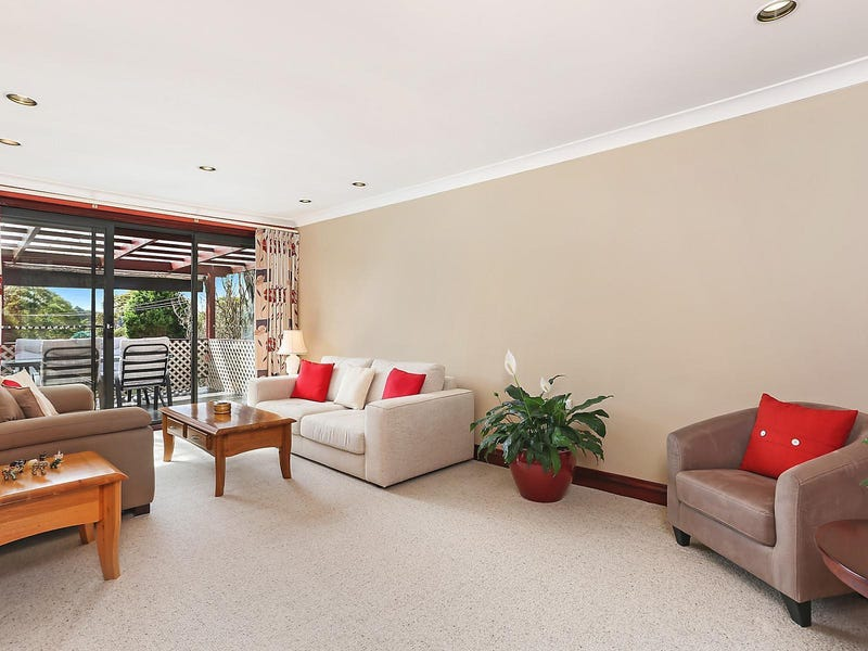 11 Evans Road, Hornsby Heights, NSW 2077