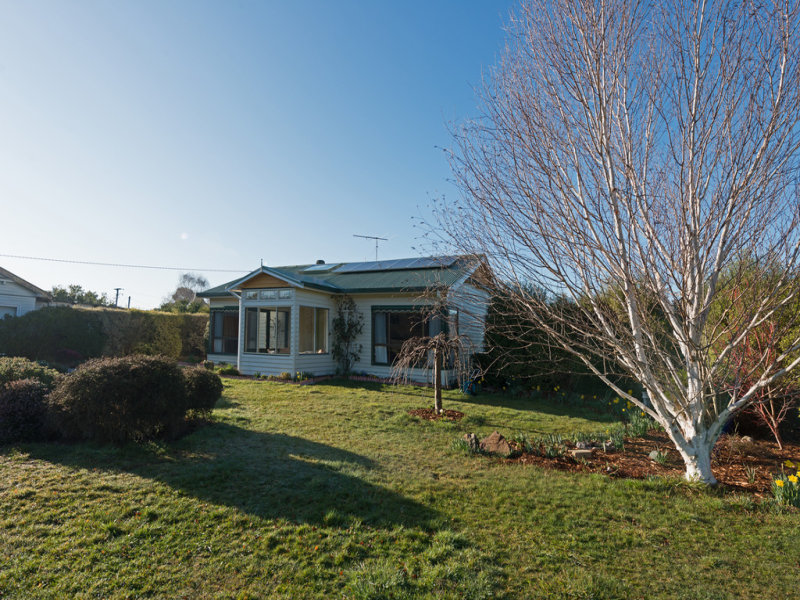 17 Esplanade North, Snug, Tas 7054