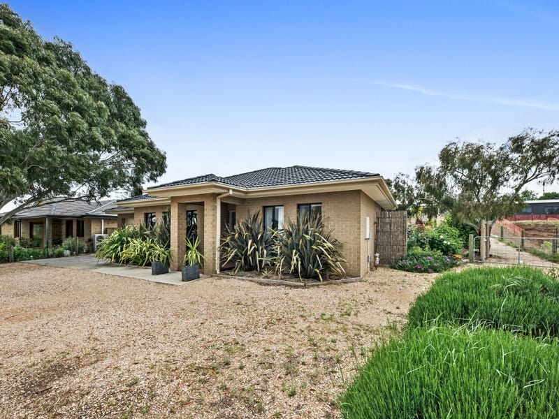 19 Muir Court, Romsey, Vic 3434