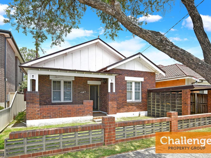 11 Burns street, Campsie, NSW 2194