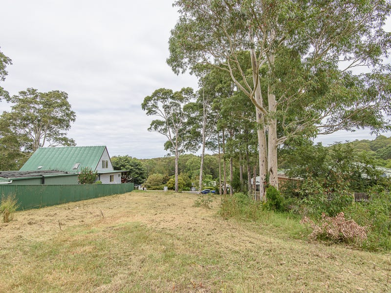 13 Renee Crescent, Moruya Heads, NSW 2537